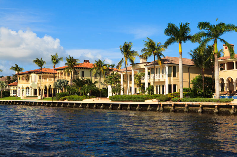 homes on the water